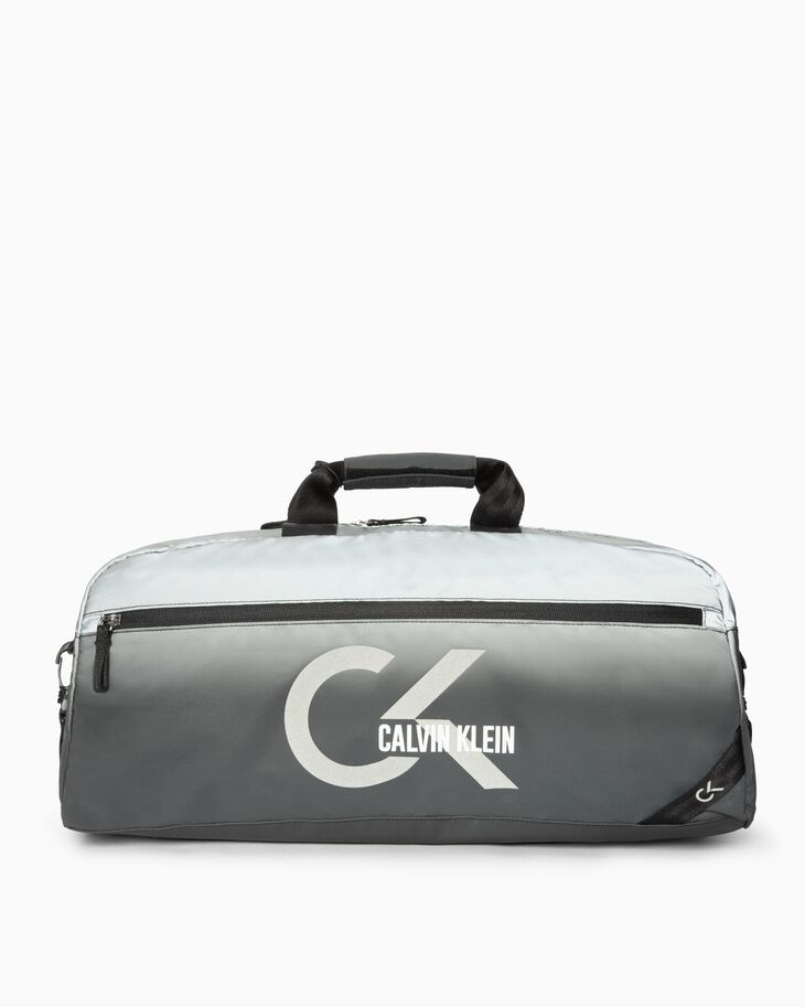CALVIN KLEIN CLASSIC OMBRE REFLECTIVE ダッフルバッグ