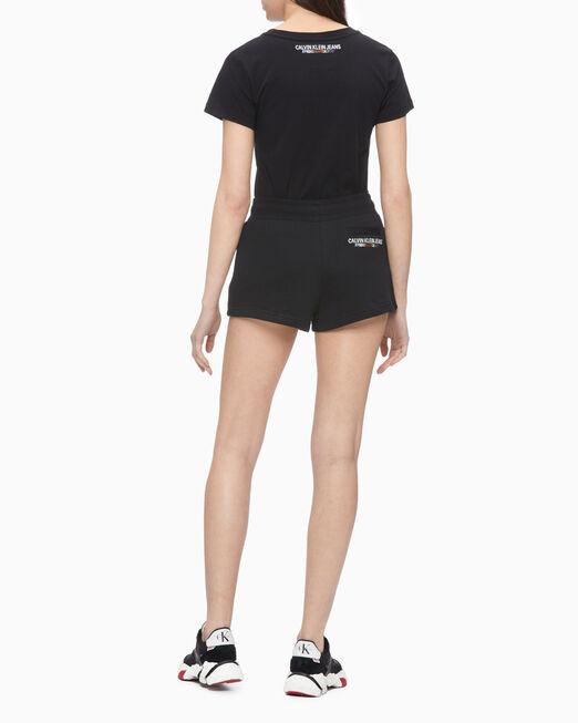 CALVIN KLEIN RAINBOW LOGO SHORT SLEEVE 티셔츠