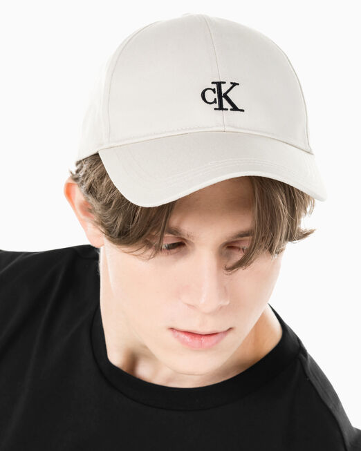 CALVIN KLEIN 남녀공용 CK 스몰 로고 엠브로이더리 캡