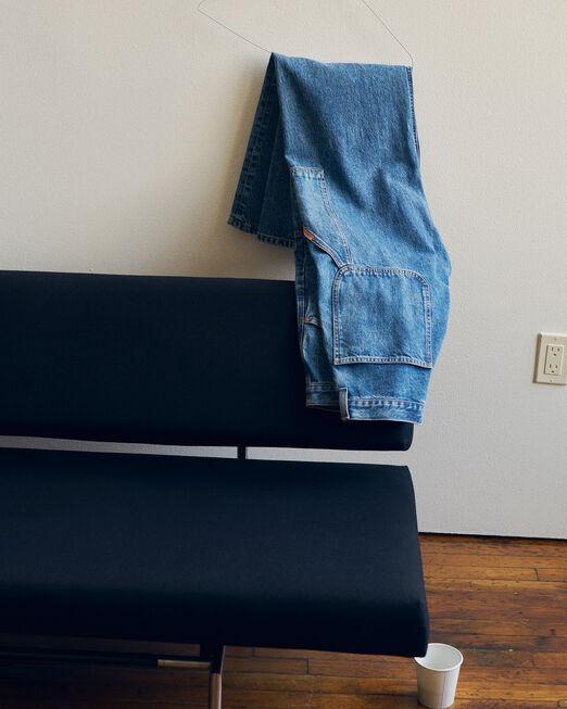 CALVIN KLEIN 남성 프로젝트 오렌지 릴렉스 핏 인디고 카펜터 데님(미드 블루)