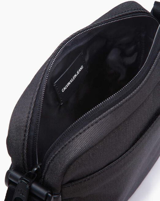 CALVIN KLEIN INDUSTRIAL NYLON FLAT PACK WITH POCKETS