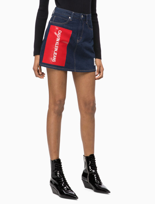 CALVIN KLEIN LOGO PATCH DENIM SKIRT