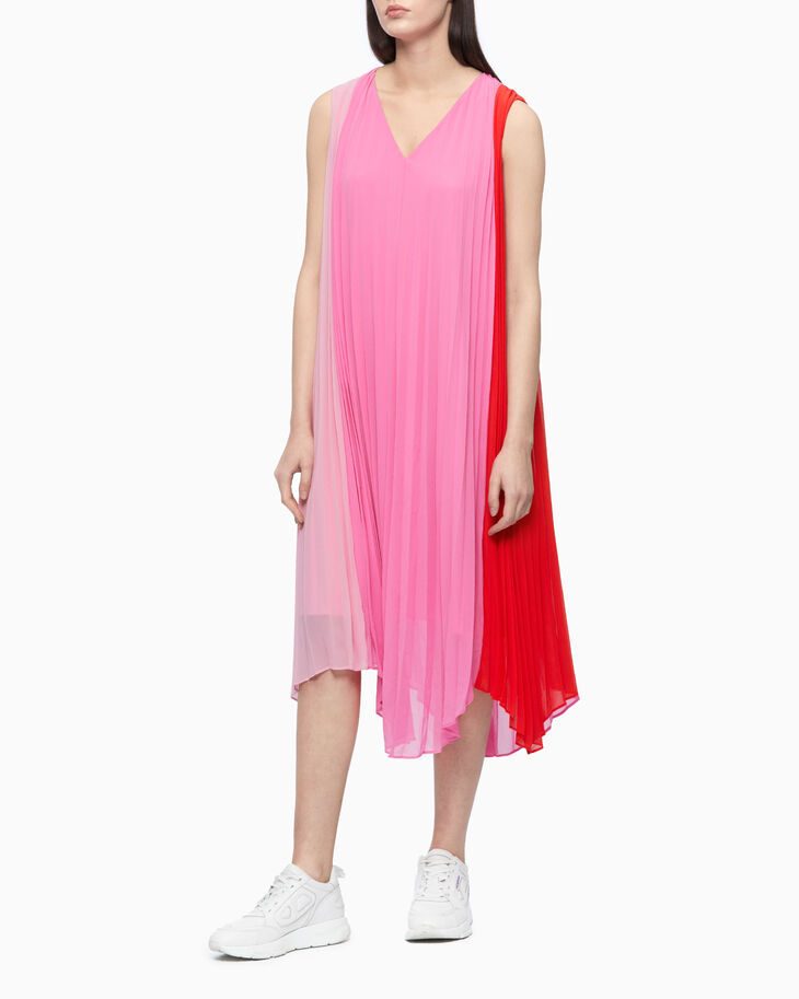 CALVIN KLEIN COLOR BLOCK PLEATED MAXI DRESS