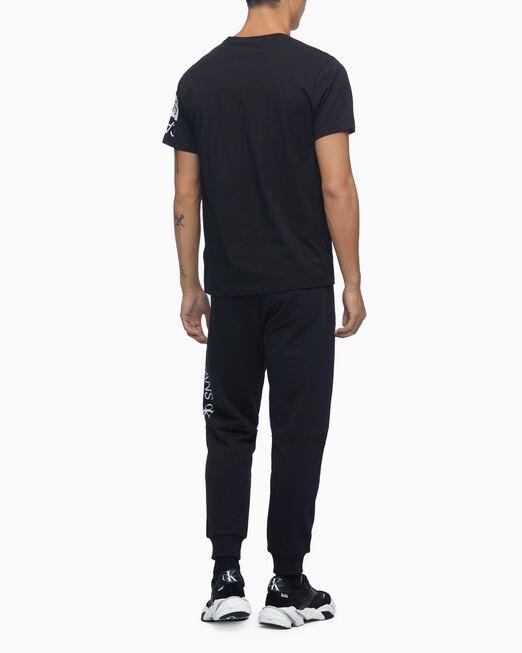 CALVIN KLEIN 남성 미러 로고시즈널 티셔츠