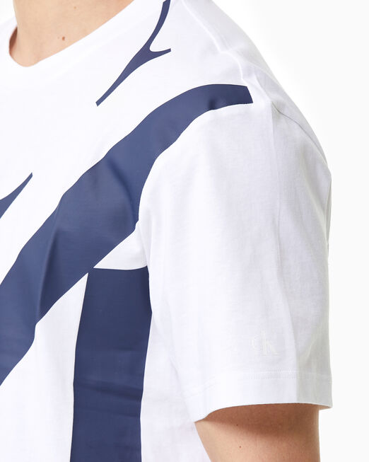 CALVIN KLEIN 남성 레귤러핏 업스케일 CK 로고 반팔 티셔츠
