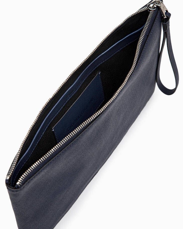 CALVIN KLEIN AIDEN GRAINED MEDIUM TRAVEL POUCH