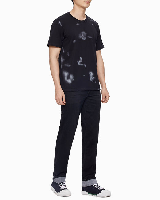 CALVIN KLEIN 남성 스모크 프린트 올오버 반팔 티셔츠