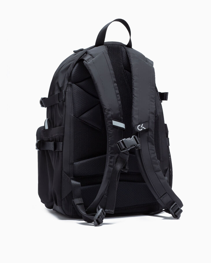 CALVIN KLEIN ELEVATION CAMPUS BACKPACK 40CM