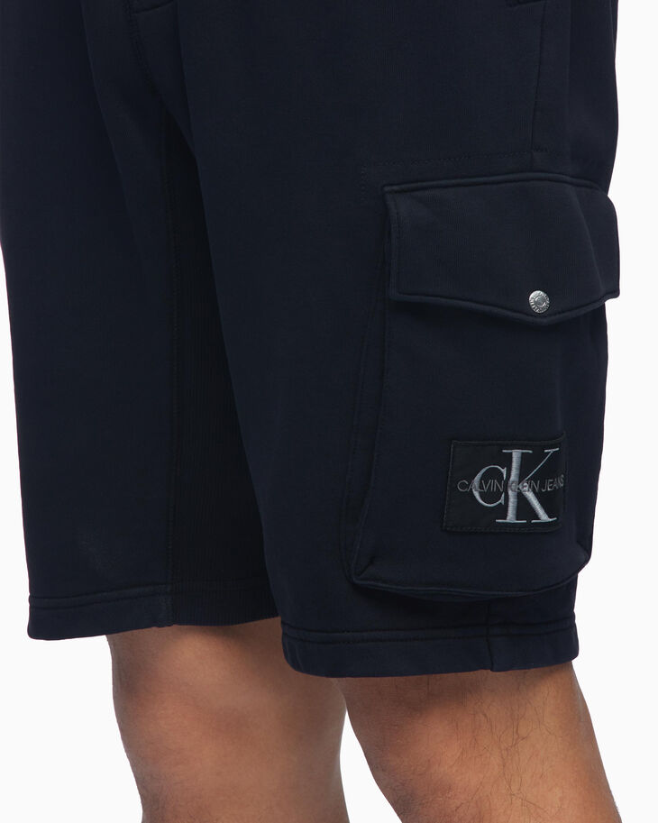 CALVIN KLEIN ORGANIC COTTON MONOGRAM BADGE スウェットショートパンツ