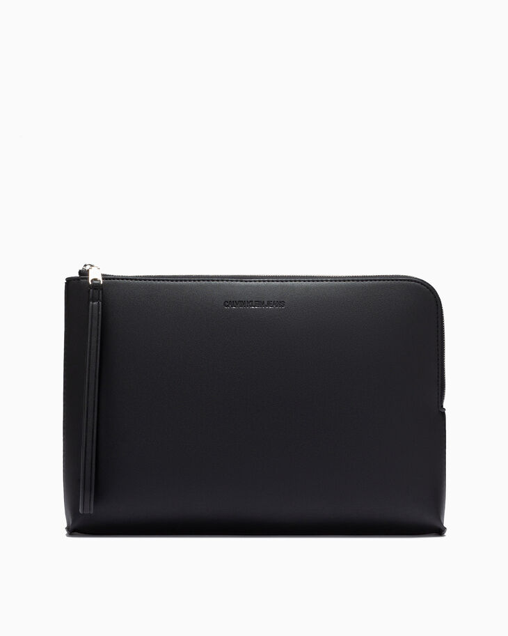CALVIN KLEIN SCULPTED MEDIUM TRAVEL POUCH
