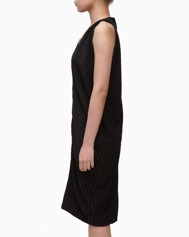 CALVIN KLEIN EMBOSSED STRIPE SLEEVELESS DRESS