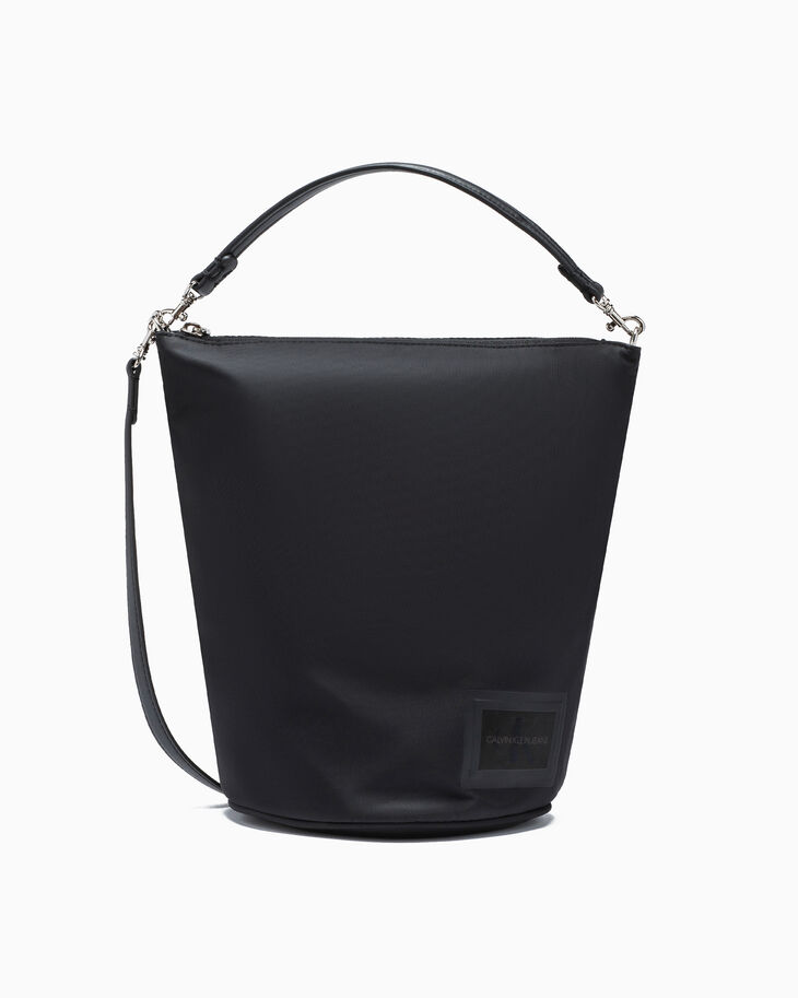 CALVIN KLEIN SLEEK NYLON ZIP BUCKET BAG