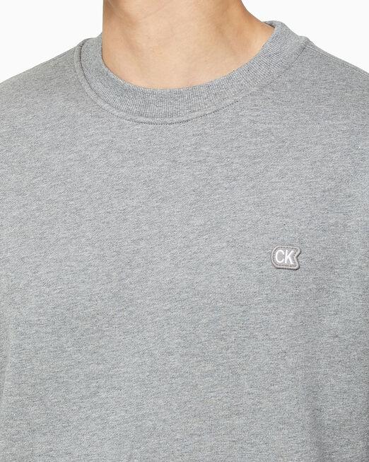 CALVIN KLEIN 남성 CK 체스트 뱃치 크루넥 스웨트셔츠