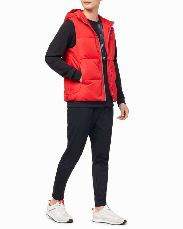 CALVIN KLEIN GRADIENT MOTION DOWN VEST