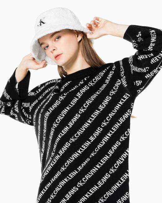 CALVIN KLEIN 여성 올오버 로고 크루넥 스웨터