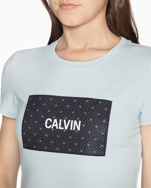 CALVIN KLEIN PATTERNED LOGO BOX 패치 티셔츠