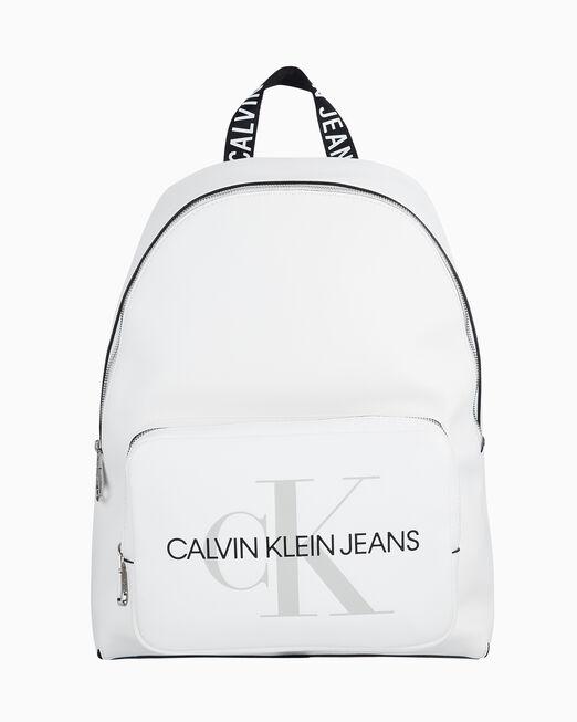 CALVIN KLEIN 여성 스컬티드 모노그램 포켓 캠퍼스 백팩 40