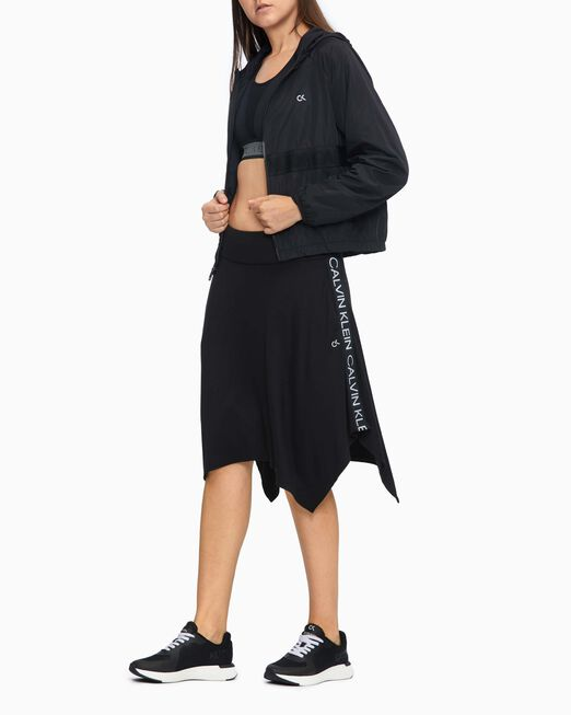 CALVIN KLEIN 여성 액티브 아이콘 사이드 테이프 플레어 스커트