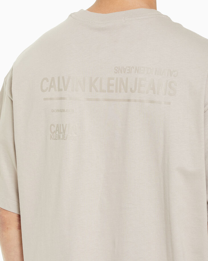 CALVIN KLEIN URBAN SKATE OVERSIZED GRAPHIC TEE