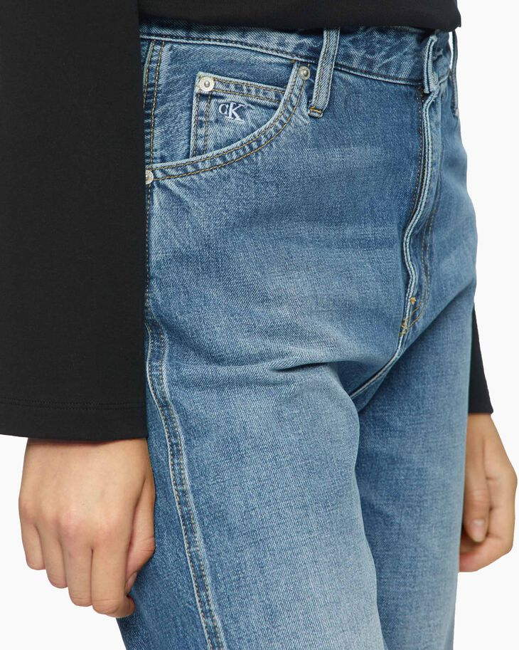 CALVIN KLEIN CKJ 030 SUSTAINABLE STRAIGHT JEANS