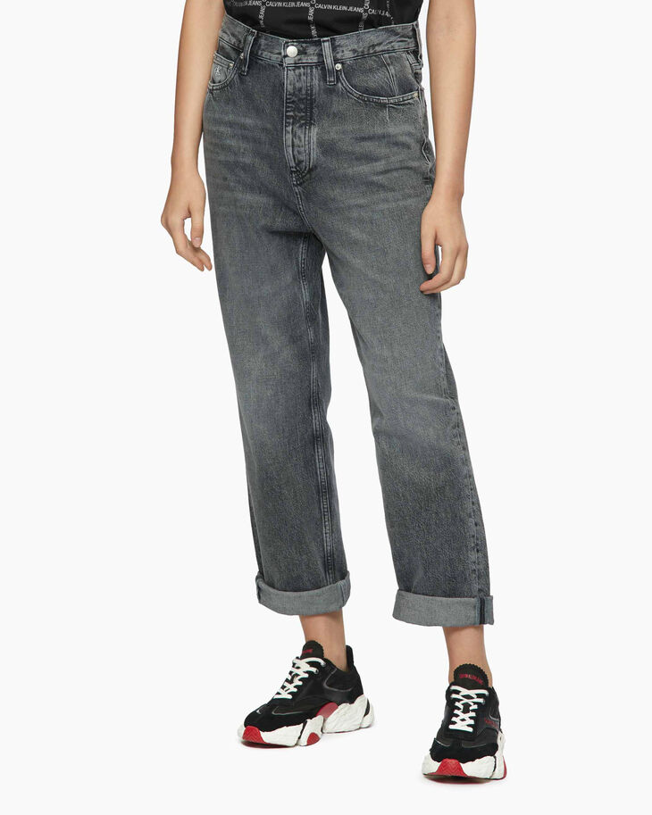 CALVIN KLEIN WASHED DAD JEANS