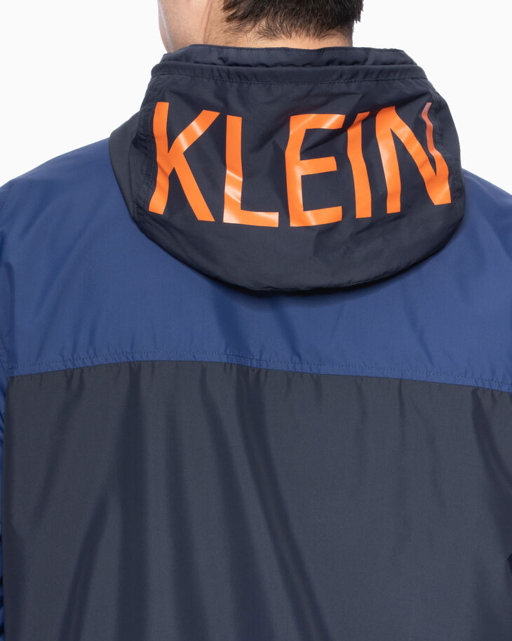 CALVIN KLEIN STATEMENT 連帽防風外套