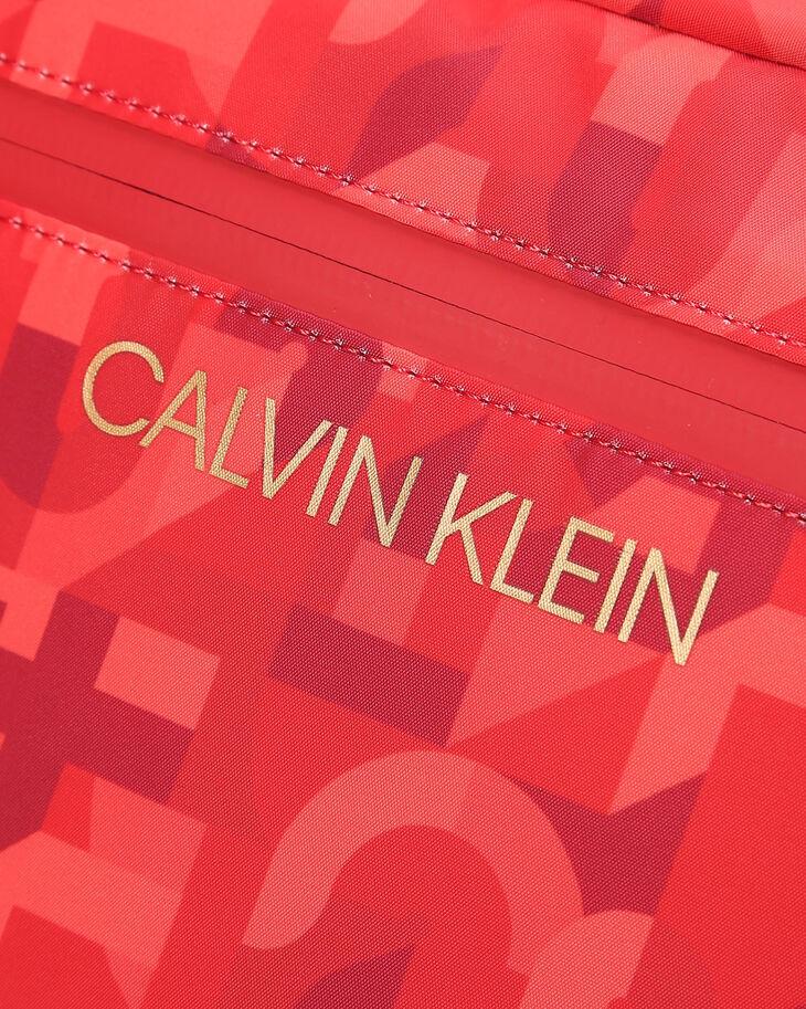 CALVIN KLEIN 春節カプセルコレクション クロスボディバッグ