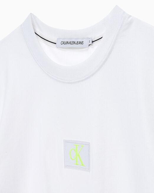 CALVIN KLEIN 여성 CK 뱃지 로고 크롭 반팔 티셔츠