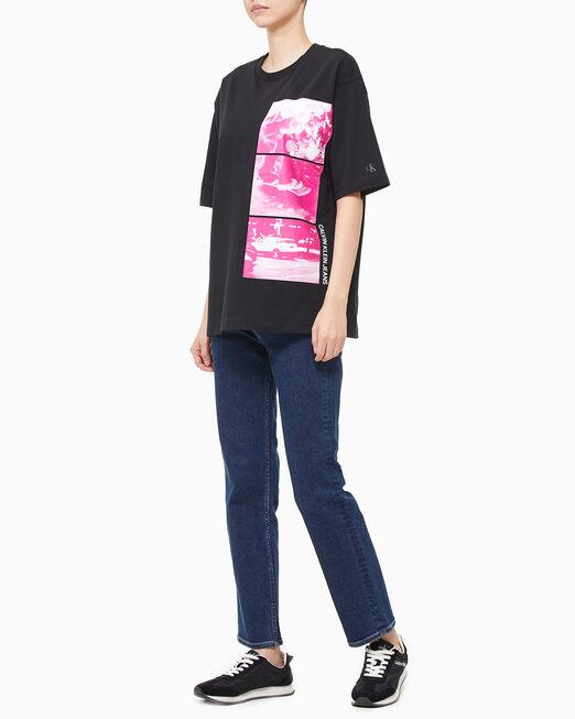 CALVIN KLEIN 여성 백 그래픽 스트레이트 티셔츠