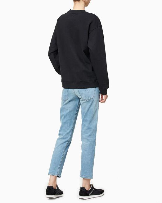CALVIN KLEIN 여성 보이프렌드 핏 CK 뱃지 로고 스웨트셔츠