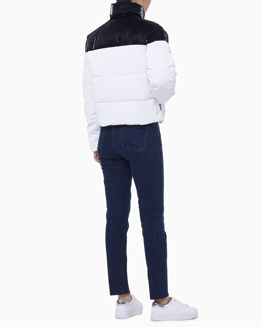 CALVIN KLEIN 여성 글로시 컬러 블로킹 푸퍼 재킷