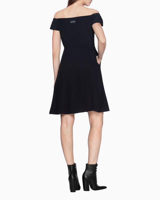 CALVIN KLEIN OFF-SHOULDER 플레어 드레스