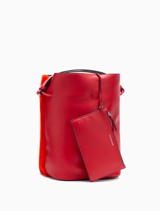 CALVIN KLEIN FURRY BUCKET BAG