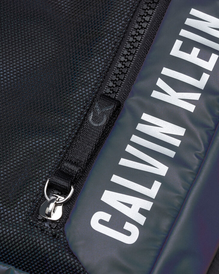 CALVIN KLEIN UTILITY STRONG CAMERA BAG