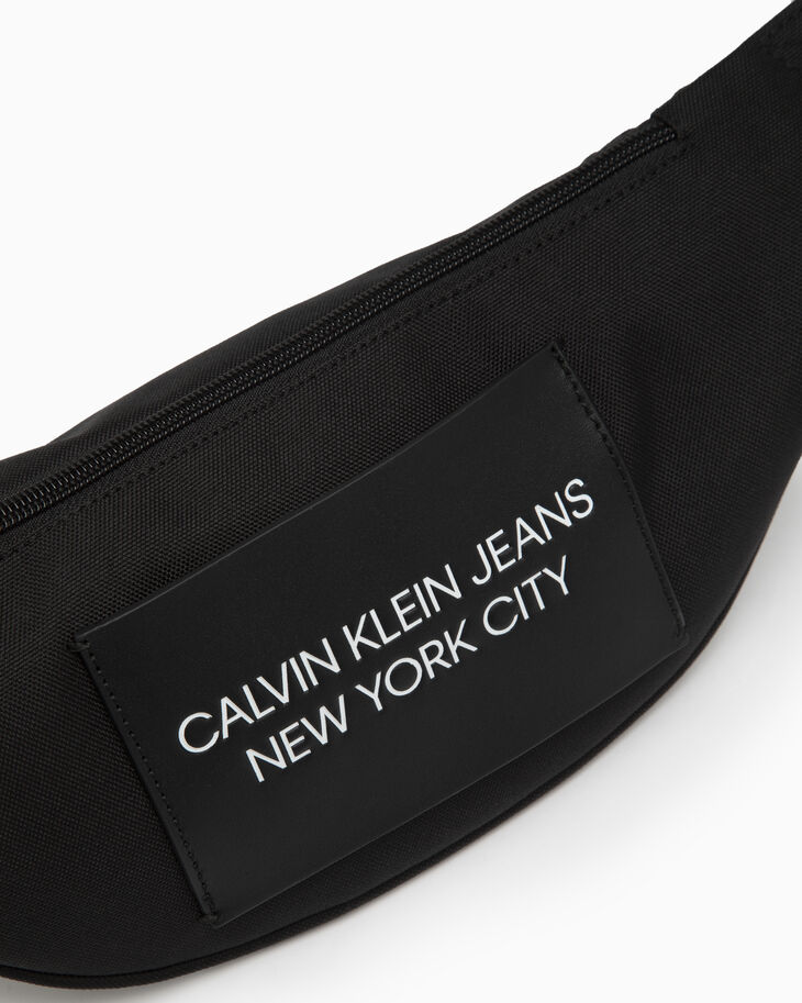 CALVIN KLEIN SPORT ESSENTIALS POST SLING BAG