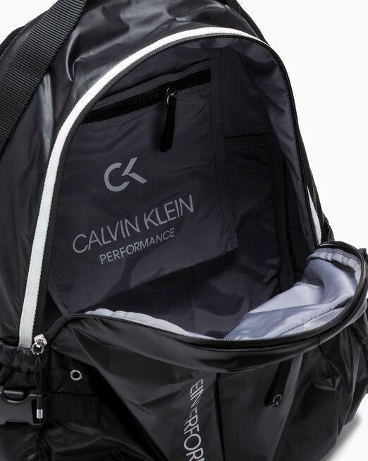 CALVIN KLEIN CIRCLED 백팩 38CM