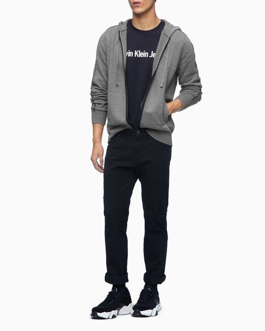 CALVIN KLEIN 남성 인스티튜셔널 로고 슬림 핏 긴팔 티셔츠