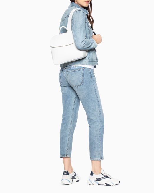 CALVIN KLEIN 여성 울트라 라이트 트리플 컴팩트 백팩