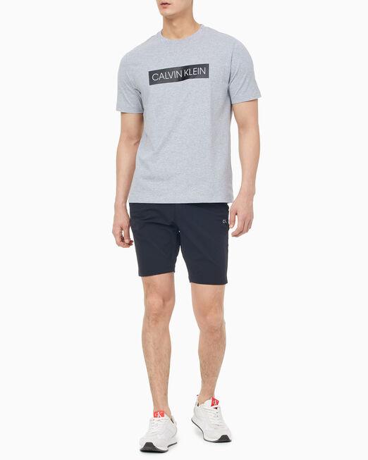 CALVIN KLEIN 남성 레귤러 핏 로고 반팔 티셔츠
