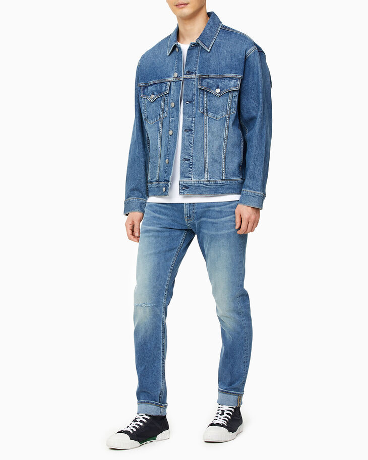CALVIN KLEIN OVERSIZED DENIM TRUCKER