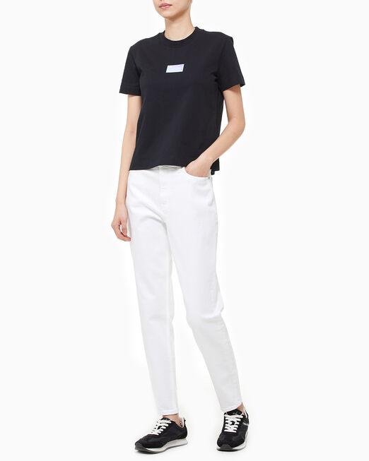 CALVIN KLEIN 여성 이리데슨트 뱃지 티셔츠