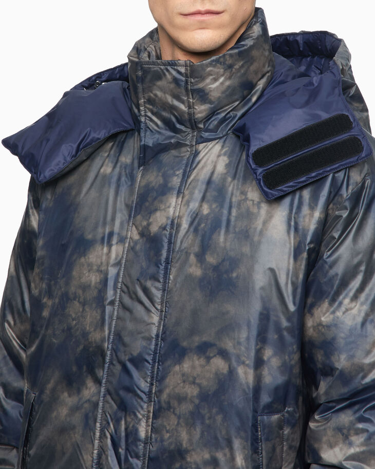 CALVIN KLEIN ALL OVER PRINT PUFFER JACKET