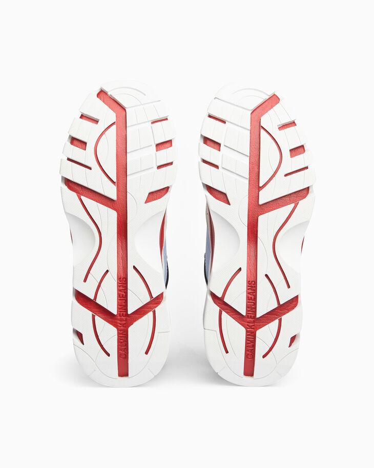 CALVIN KLEIN CHUNKY 低筒運動鞋搭配塑膠垂片