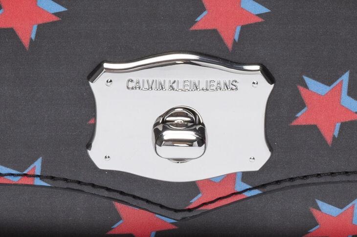 CALVIN KLEIN SCULPTED WESTERN SHOULDER BAG