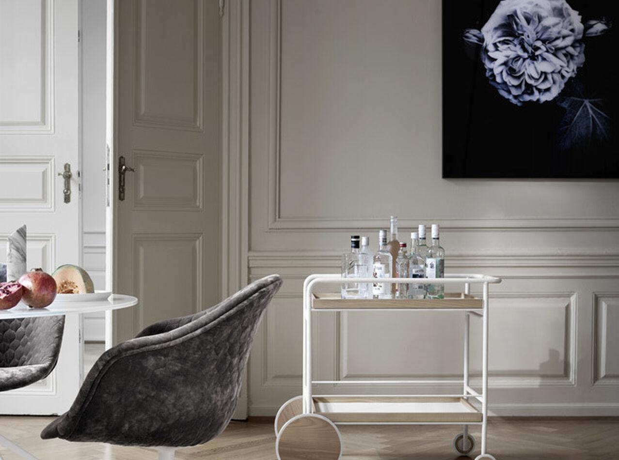 Gallery - Swans glass art